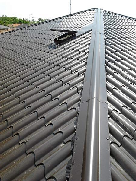 Coperture metalliche busto arsizio gallarate tetti in for Tetto finto coppo