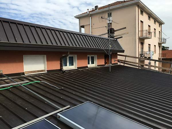 Coperture metalliche busto arsizio gallarate tetti in for Tegole del tetto della casetta